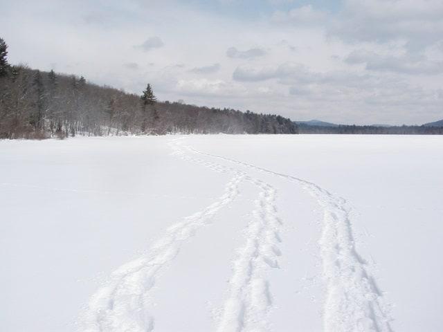 p1010017_goodluck-lake-snowshoe-tracks